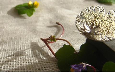bague nénuphar et sa fleur de lotus...